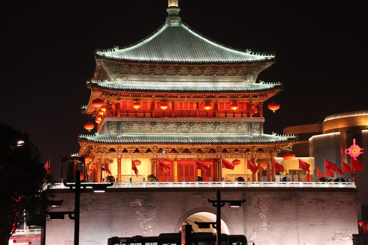 百佬汇官网娱乐-中外艺术家版画亮相北京1920美术馆  东西文化的对话与碰撞