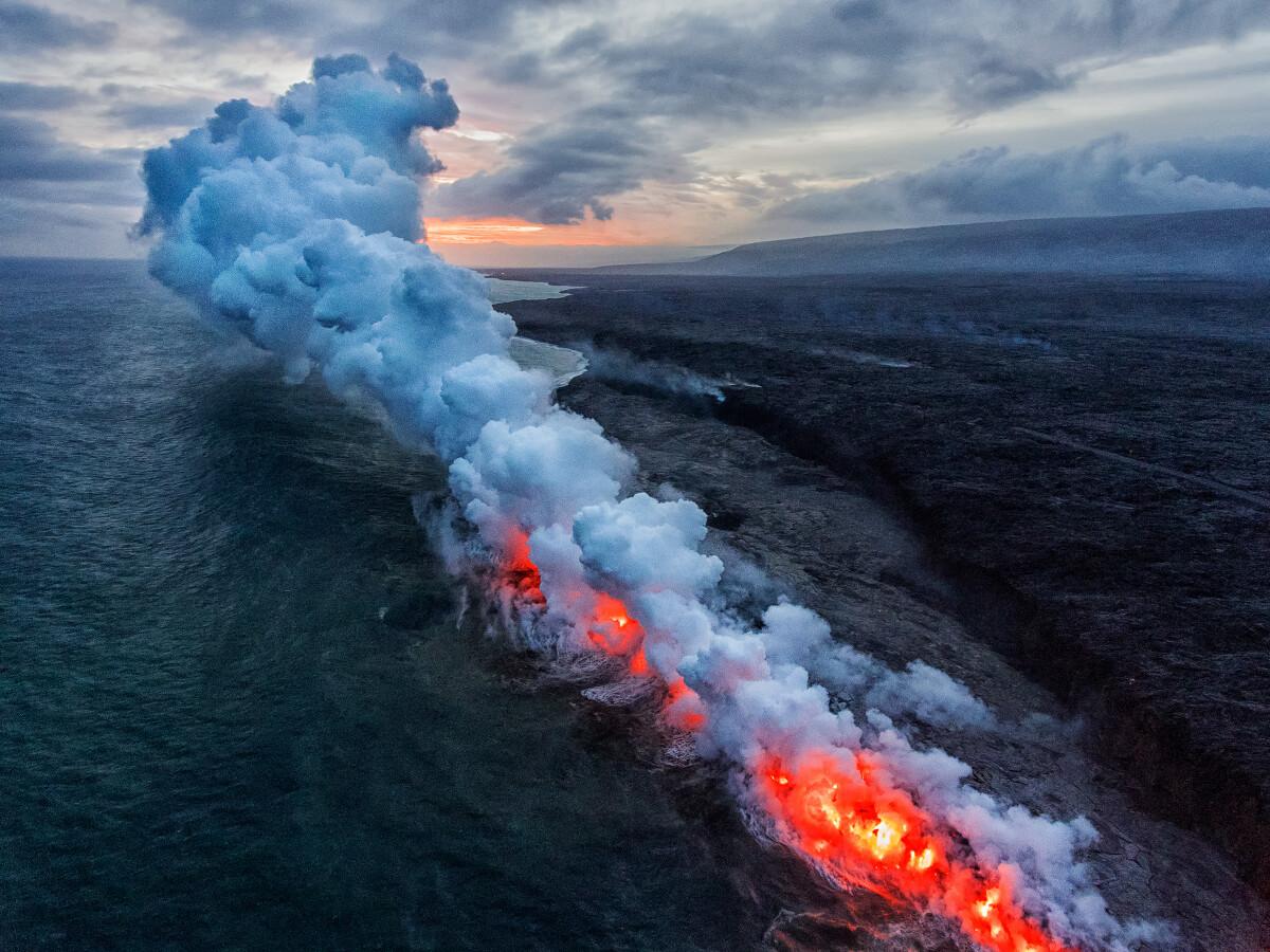 夏威夷大岛Kilauea火山入海口......
