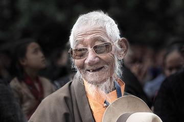 雪顿节上的藏族老人
