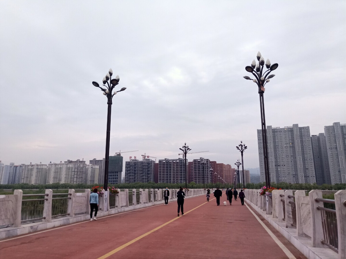 """888集团的网址是什么?-前海人寿荣膺""""2018首届中国大学生喜爱雇主""""奖项"""