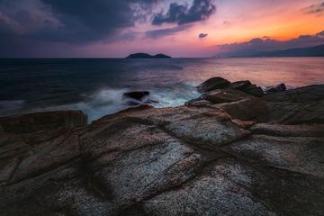 石梅湾礁石