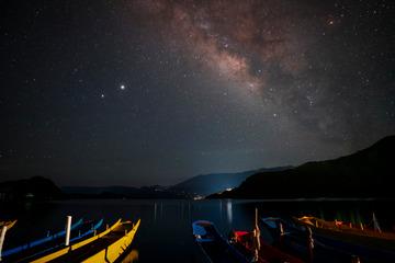 泸沽湖夜色
