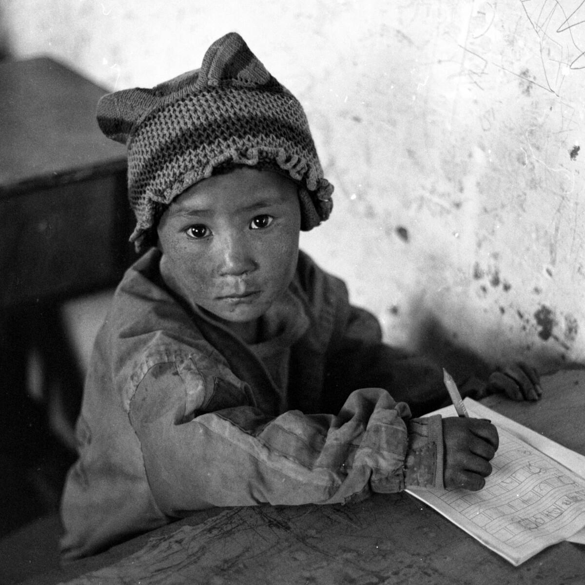 布拖县彝族人黑彝有多少人口_布拖县彝族照片