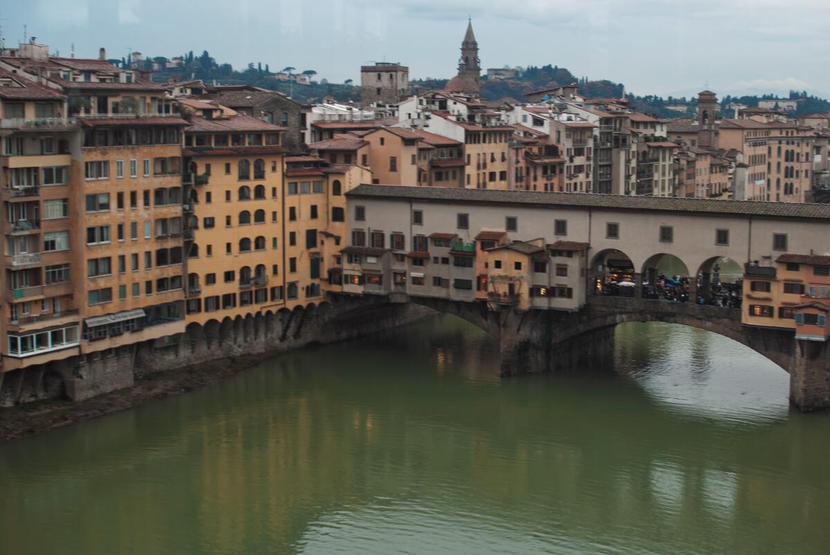 再看Arno河和Ponte Vecchio