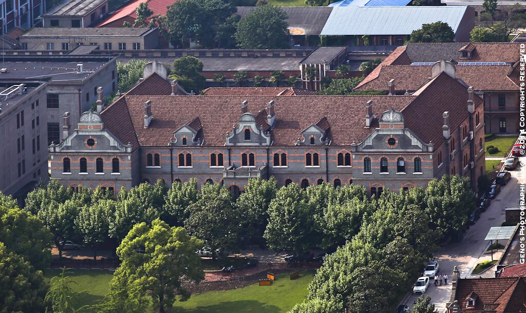 由盛宣怀建于1896年(光绪22年)的南洋公学(中院),上海交通大学最古老建筑