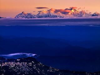 130-2010年10月,印度大吉岭,世界第三高峰干城章嘉。