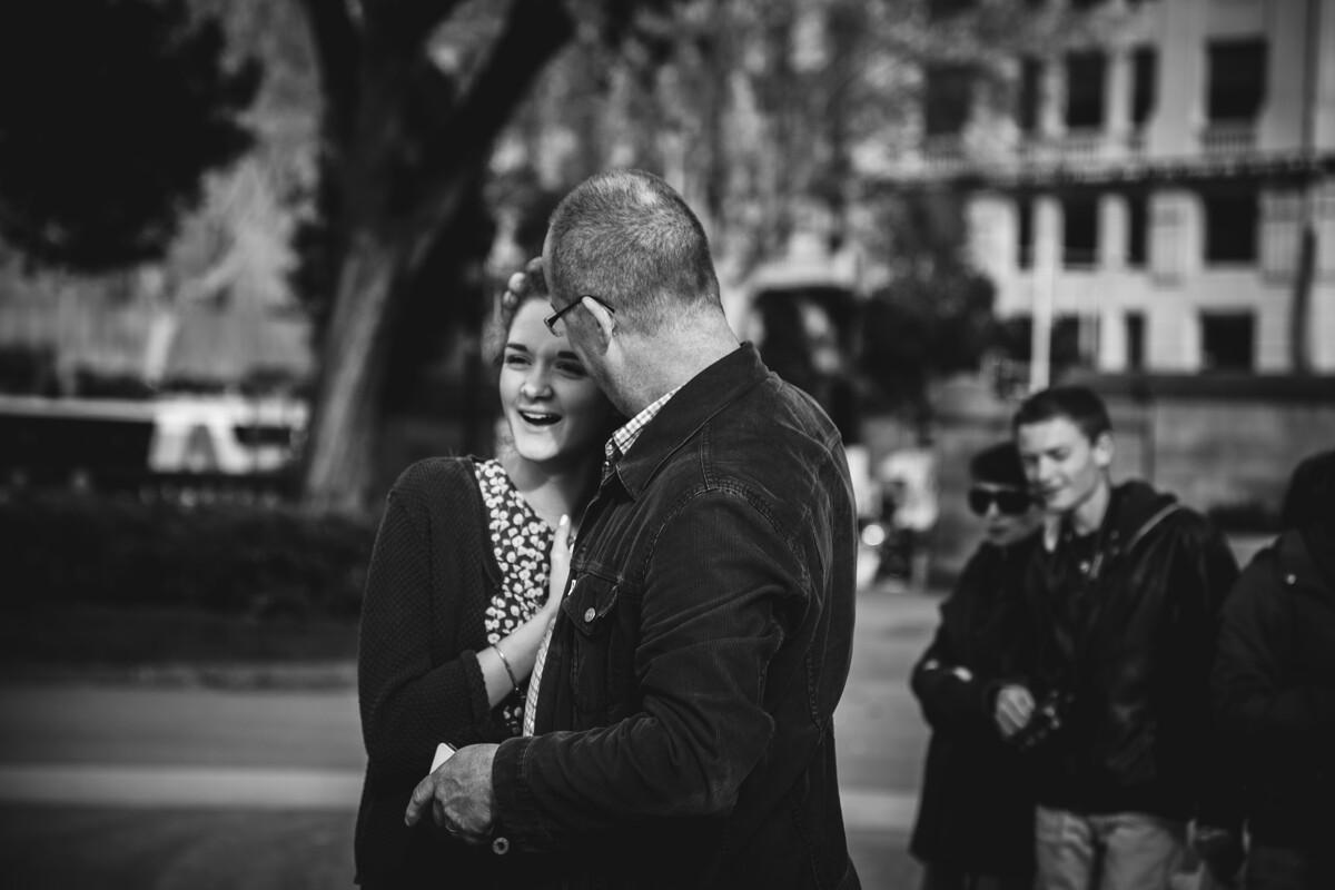 爱情是不是一蔬一饭,她存在于每一个惊喜每一个笑容里。<br /> @Plaça de Catalunya