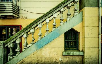 沿街的楼梯
