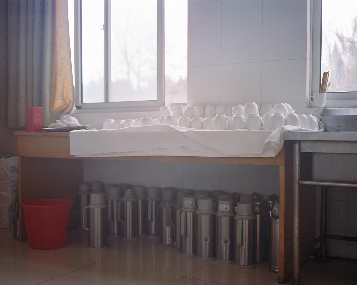 16. 2018年11月30日,华西村,干部学院的茶水间。