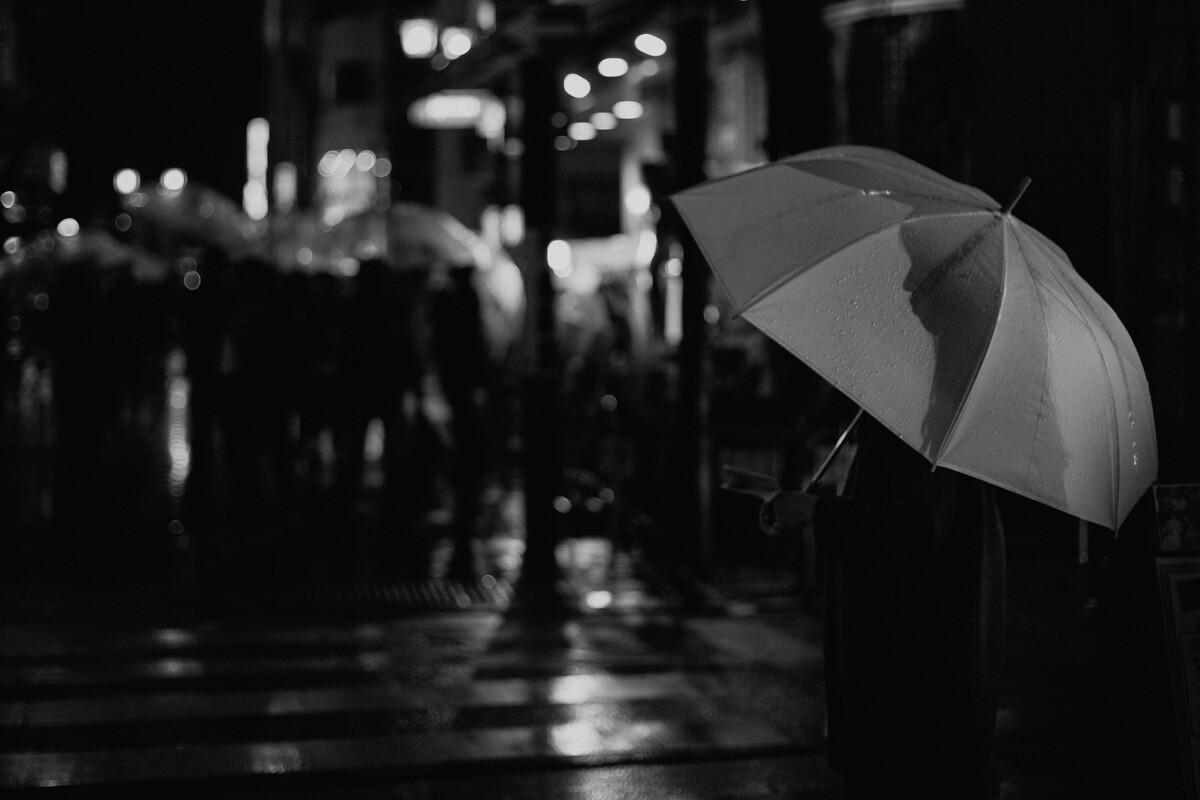 作者雨夜带刀不带伞的所有书