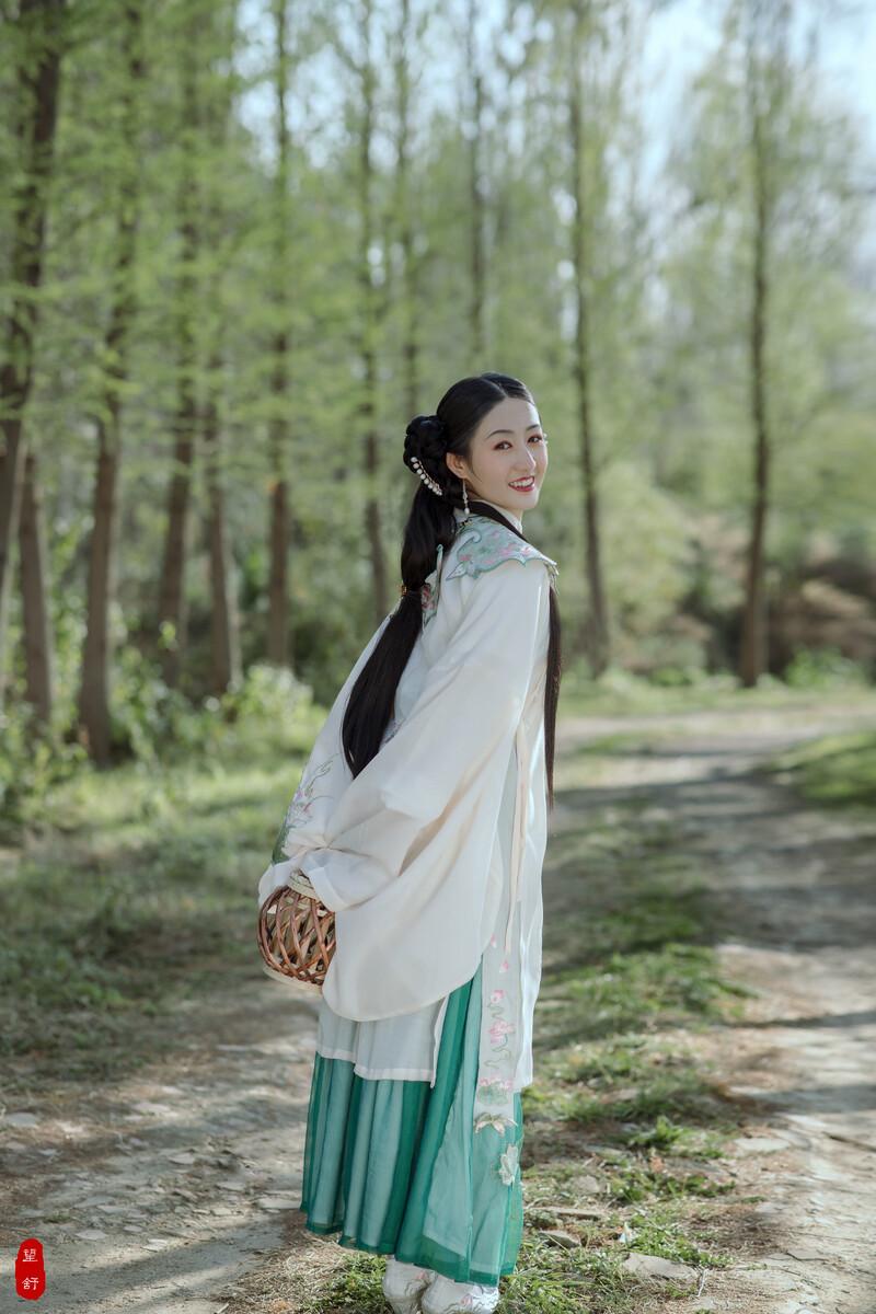 DT梦想棋牌VIP入口-刘真多大年纪再也看不到她与小S斗舞了太遗憾了