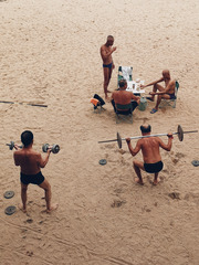 沙滩健身场
