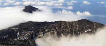 峨眉山上的云-01