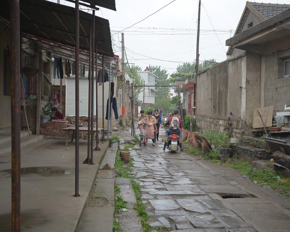 2018年4月 安徽淮南 刚下雨的街面