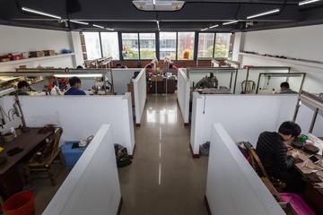 工场用的考勤机如何树立两班区别的上放工岁月