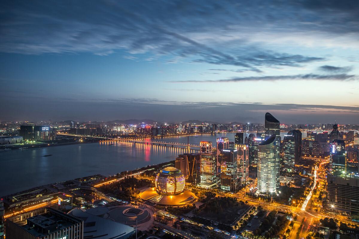 杭州市18年经济总量_杭州市地图