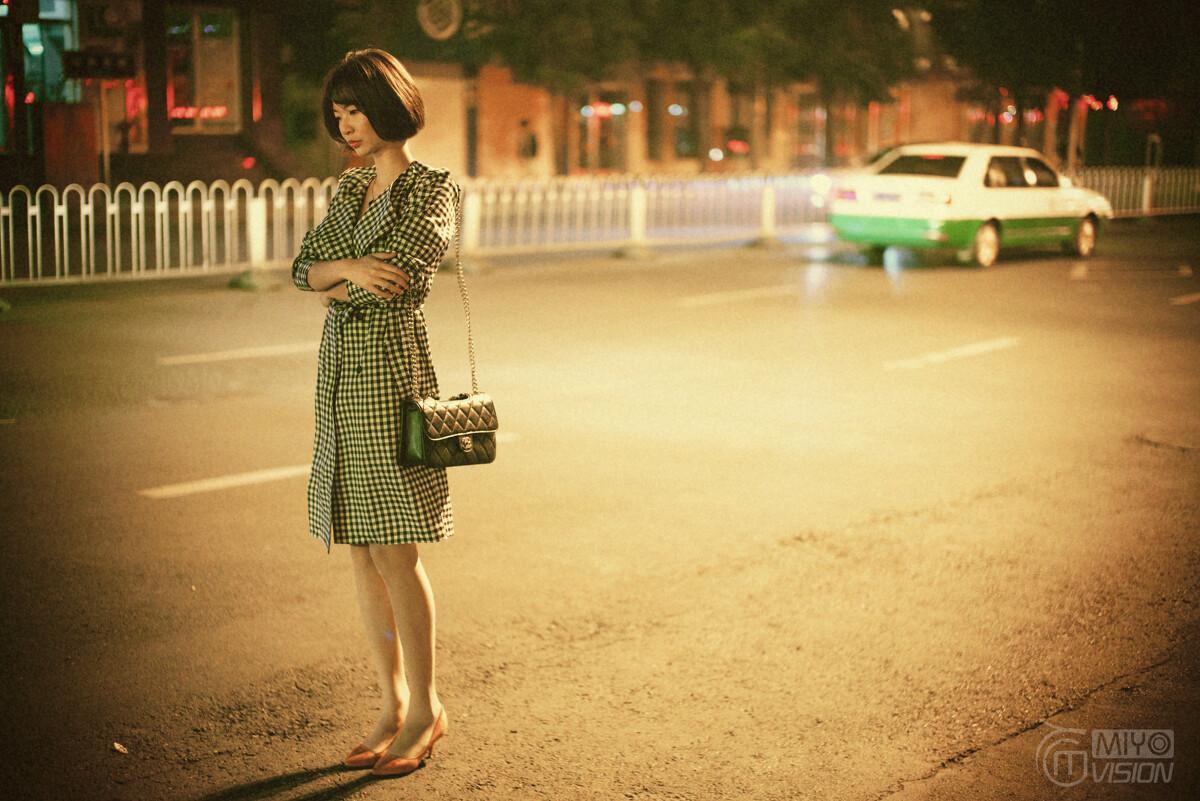 让奔三奔四女人一见倾心的毛衣裙,难怪那么受欢迎,真是美到炸