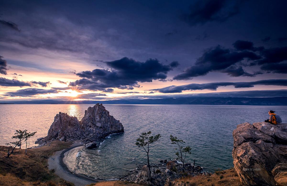 李健《贝加尔湖畔》,旋律优美,寓意深远