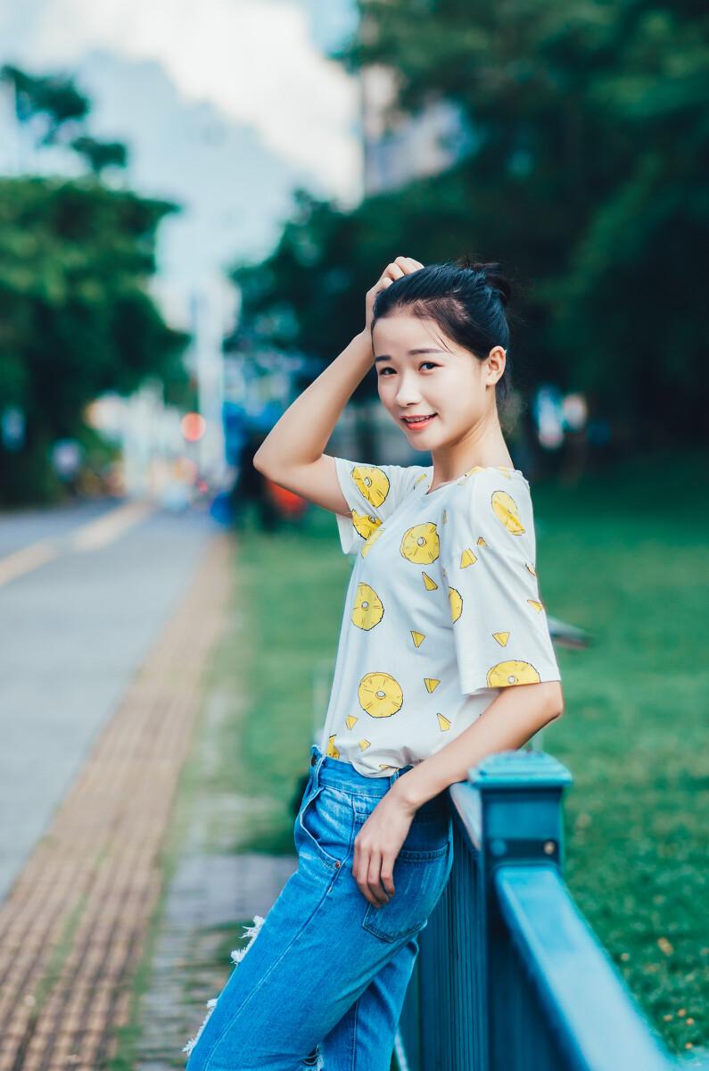 宝盈集团波音bbin真正官网-女星玛丽亚·安吉丽克好莱坞时尚走红毯,她有着迷人的魅力