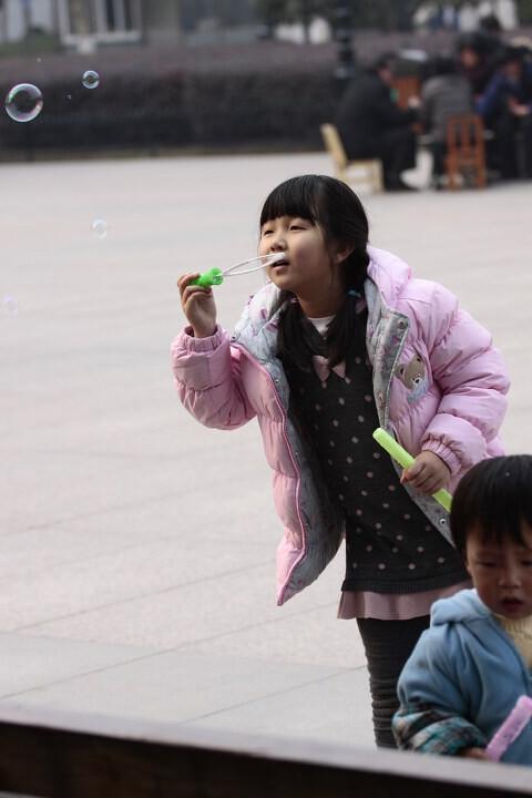 玩童 人像 玩童 蜜蜂 人像摄影精选图片