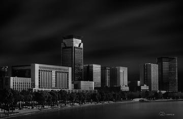 新城光与影