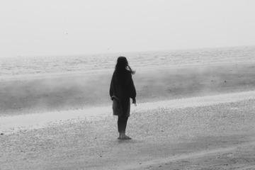 有雾的海边