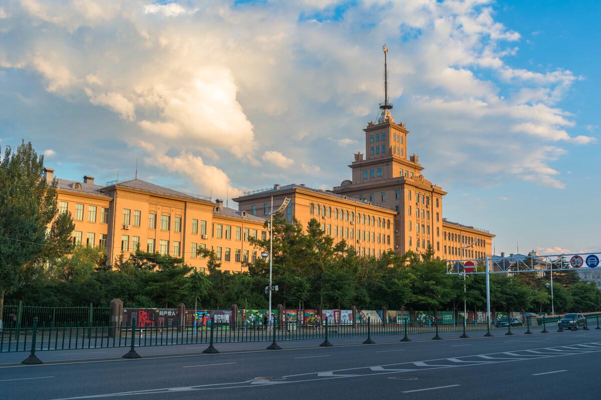 哈尔滨工业大学排名_哈尔滨工业大学