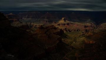 夜半大峡谷