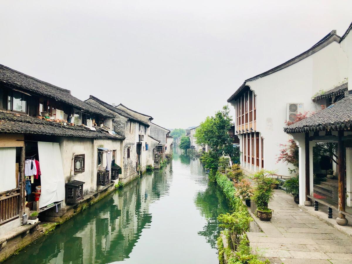春节后换城市工作人群中,3成人选择返乡发展