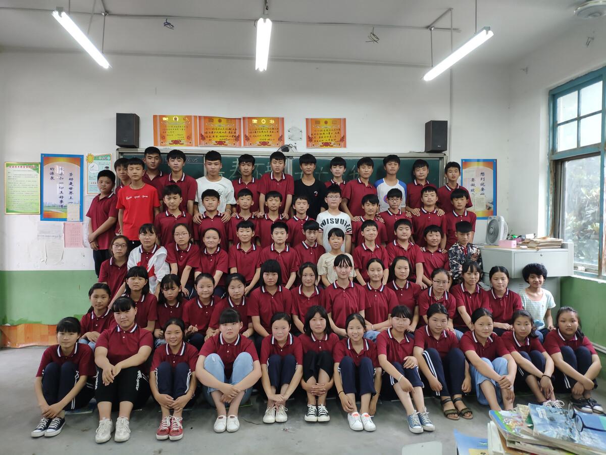 宝博非凡炸金花-济南10所小学普及游泳课 首批3200名学生受益